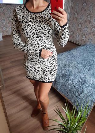 Теплое платье свитер