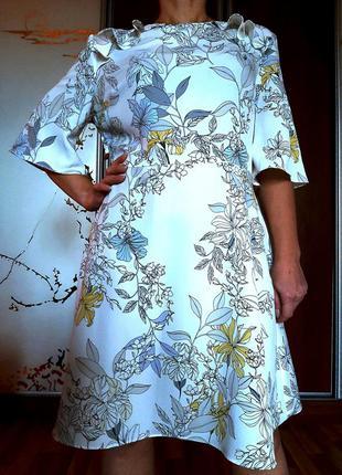 Новое легчайшее белое платье с цветочным принтом и красивой спиной