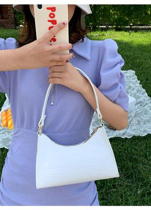 Стильна  жіноча біла лакова сумка з ручками на плече