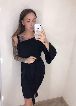 Новое чёрное платье с биркой