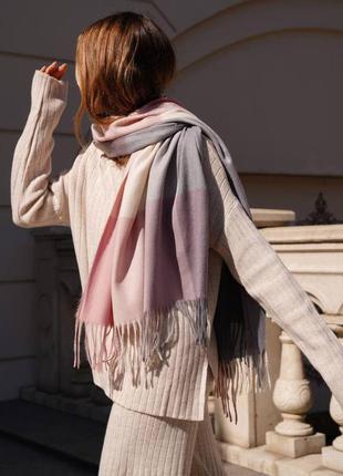 Кашеміровий шарф в клітинку пудровий / сірий