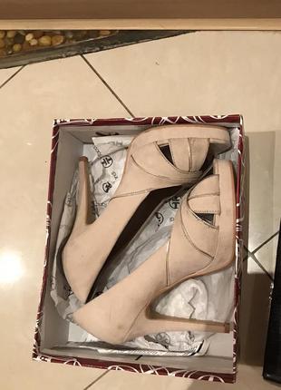 Туфли taccardi на каблуке