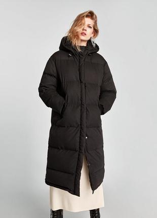 Теплый длинный черный пуховик с капюшоном