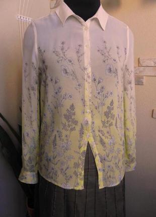 Блуза в цветы лимоного цвета