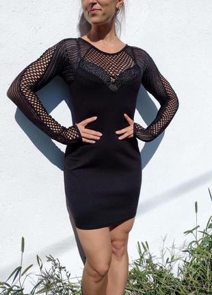 Привлекательное обтягивающее чёрное плотное платье с рукавами сеткой coolcat