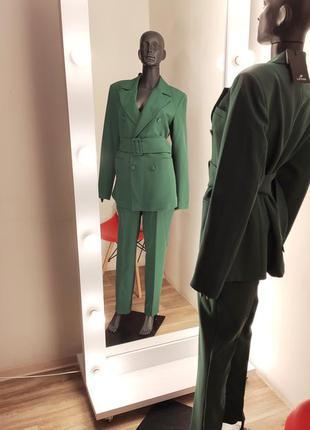 Новый зелёный крутой брючный костюм жакет двубортный 💚