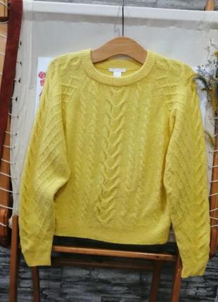 Красивый жёлтый свитер h&m