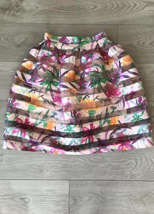 Розовая юбка волан