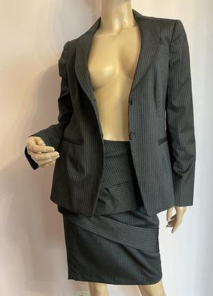 Суперовый фирменный итальянский деловой костюм/s/brend piazza sempione шерсть 98%
