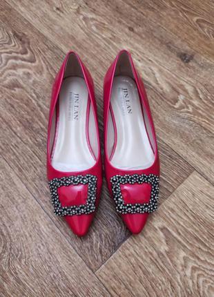 Стильные красные женские лодочки красные женские туфли-лодочки лаковые женские лодочки красного цвета заострённые женские туфли лодочки