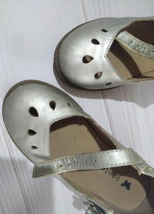Серебристые туфельки для девочки john lewis