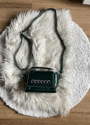 Шикарная изумрудная лаковая сумка через плечо