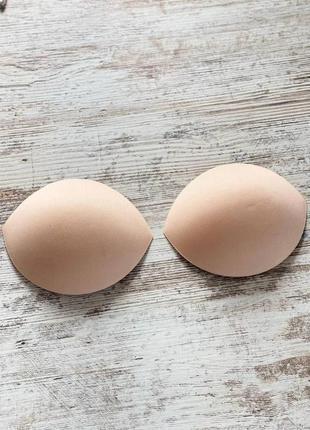 Бежевые поролоновые накладки вставки в бюстгальтер для увеличения груди
