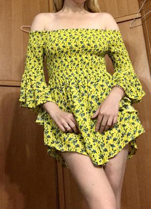 Платье мини туника блузка желтое короткое с жаткой с резинками с широкими рукавами с открытыми плечами с цветочным принтом