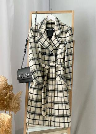 Двубортное теплое пальто в клетку 70% wool m&s