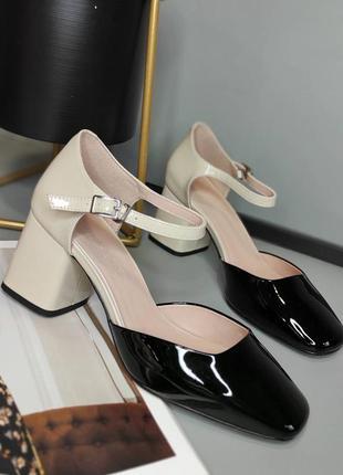 Лаковые мягкие туфли на устойчивом каблуке