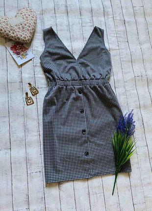 Симпатичное платье под гольф водолазку