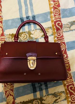 Стильная бордовая сумка