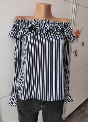 Блуза в полоску синяя с открытыми плечами hm s m