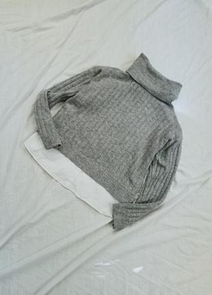 Тёплый свитер под горло с имитацией рубашки