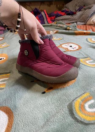 Тёплые непромокаемые сапоги ботинки красивый цвет