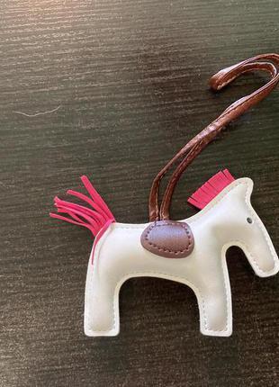 Брелок лошадка на сумку