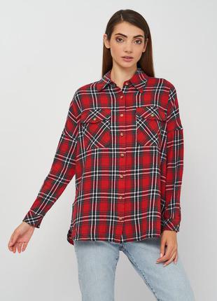 Стильная рубашка оверсайз со спущеной линией плеч