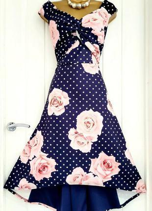Красивое, яркое платье в винтажном стиле