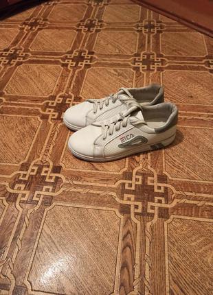 Кроссовки белые ,кеды,мокасины