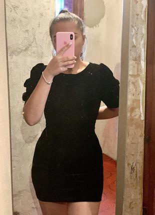 Черное велюровое платье😍