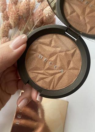Бронзер becca shimmering skin perfector