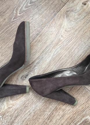 Продам итальянские туфли из натурального 100% замша.