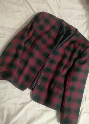 Винтажный укороченый пиджак в клетку c&a