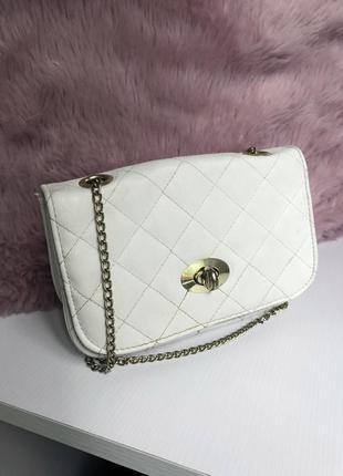 Маленькая сумочка на ланцюжку клатч білого кольору
