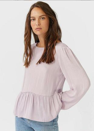 Сиреневая тонкая блуза с баской
