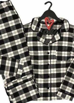 Черно белая пижама в клетку из фланель теплая на пуговицах