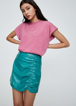 Кожаная юбка с драпировкой pull&bear