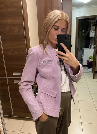 Лавандовая пудровая замшевая куртка taifun германия розовая
