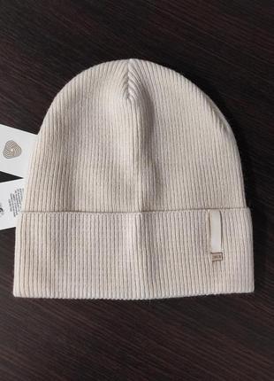 Модная женская шапка турбо