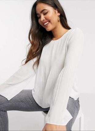 Плиссированная блуза с длинными рукавами