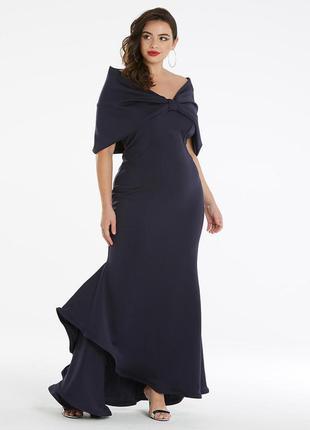 Превосходное вечернее платье со спущенными печами
