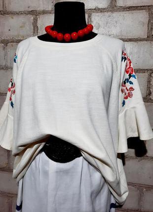 Блуза футболка с вышивкой оверсайз