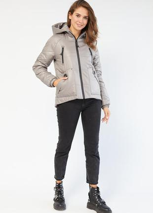 Высококачественная демисезонная осенняя куртка от производителя. утепленная. капюшон. воротник