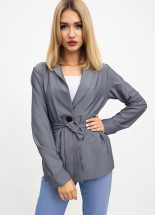 Стильный серый пиджак с поясом на одной пуговице