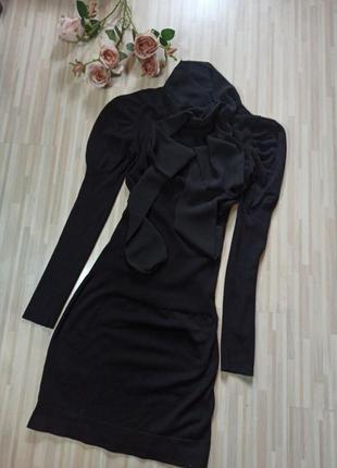 Очень красивое стильное ,теплое, трикотажное платье.mango