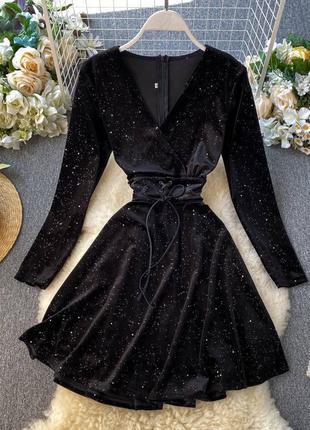 Шикарные бархатные платья с мерцанием, на спинке молния,  пояс на шнуровке 🖤 платье😍