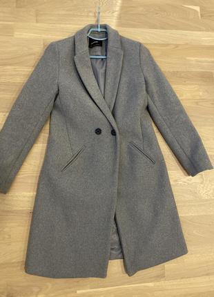 Пальто серое классическое