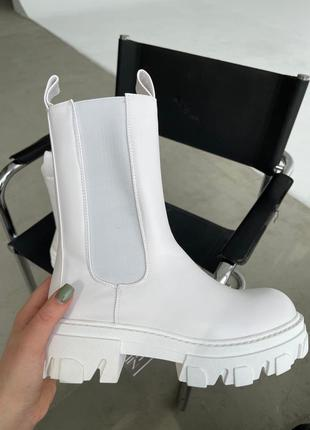 Ботинки. скидка на последний размер