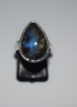 Серебряное кольцо с лабрадором , камень лабрадор