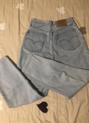 Мом джинсы levi's